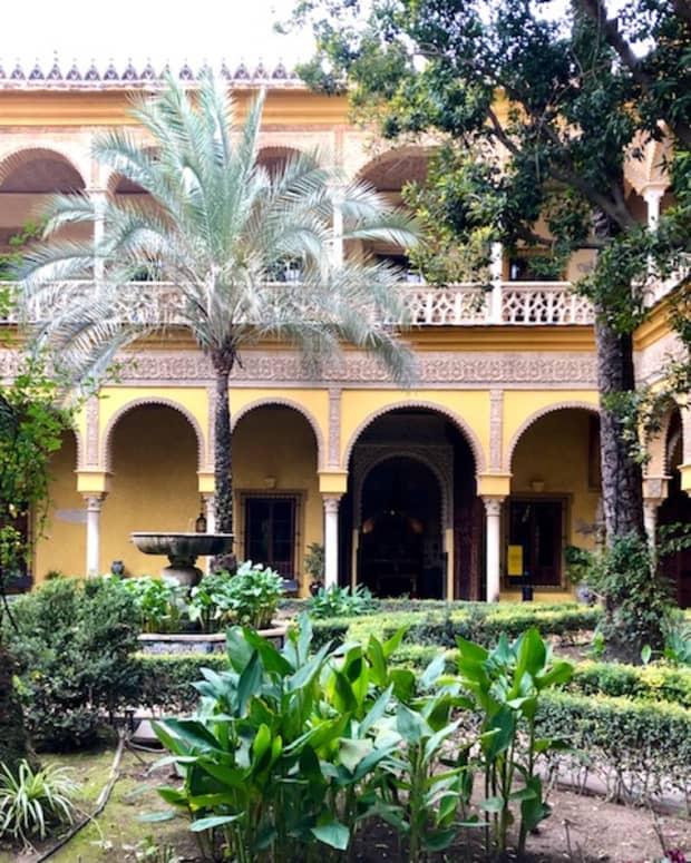 the-enchanting-courtyard
