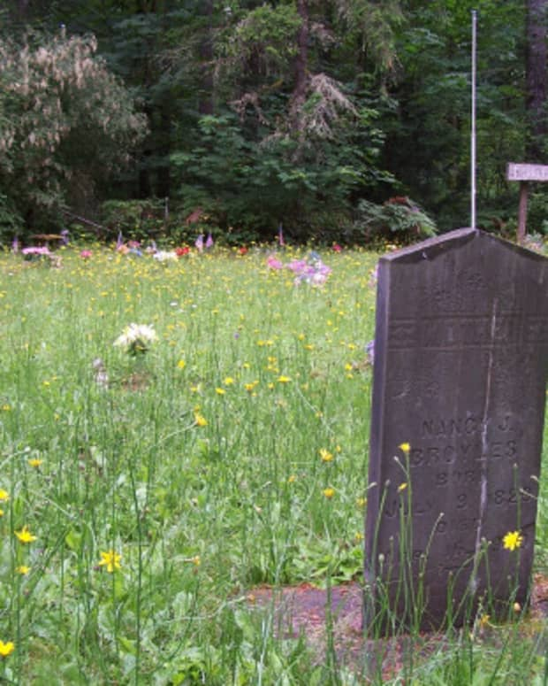 monuments-to-the-forgotten-flash-fiction-an-attempt-at-billybuc-photo-challenge-prompt-installment-1