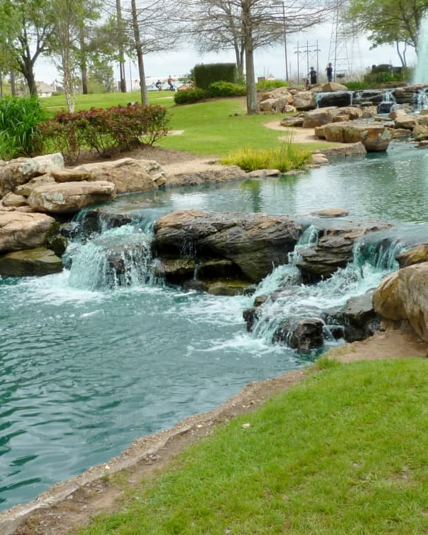 oyster-creek-park-spectacular-beauty-and-art-in-sugar-land-texas