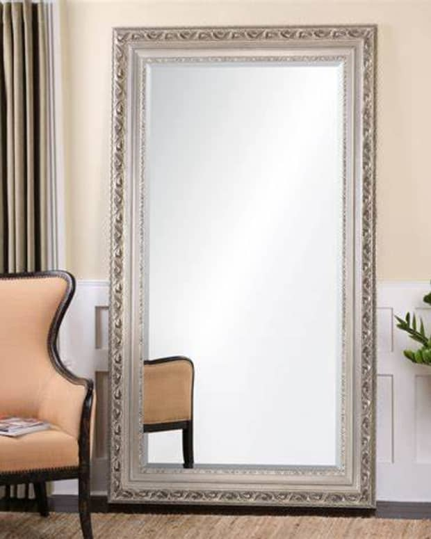 exposing-the-facade-in-front-of-the-mirror