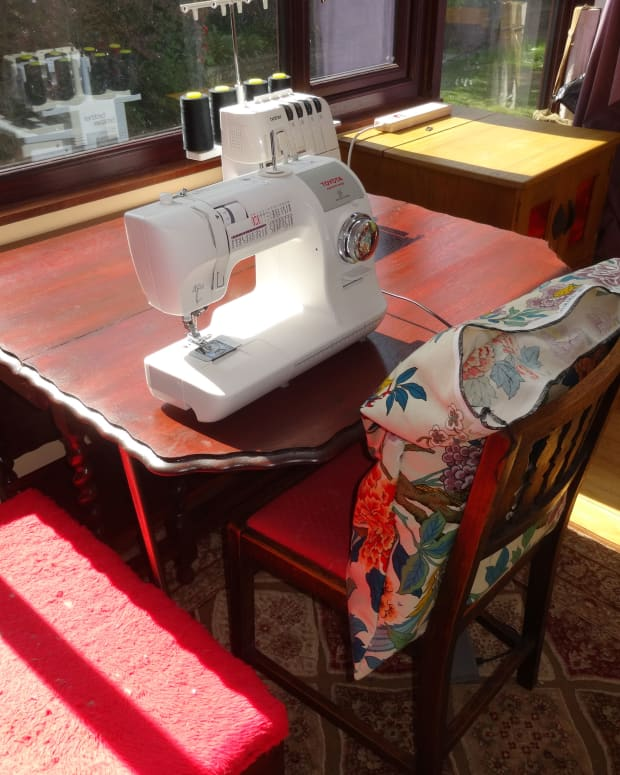 renovating-oak-dining-table-and-repurposing-as-a-sewing-table