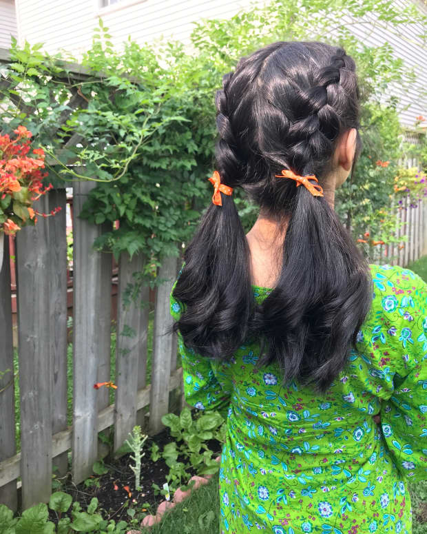how-to-style-thick-and-dark-hair