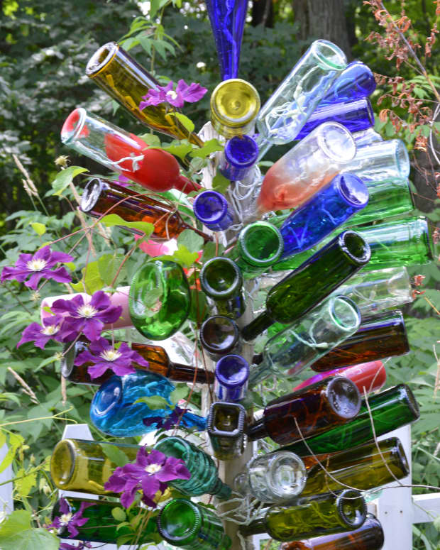 bottle-tree-for-my-garden-reuse-of-junk