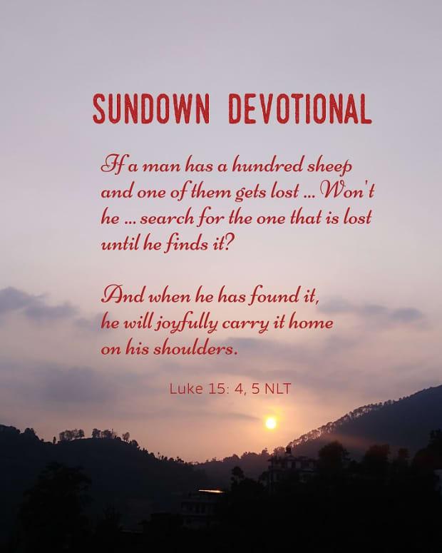 devotional-the-sheep-on-gods-shoulder