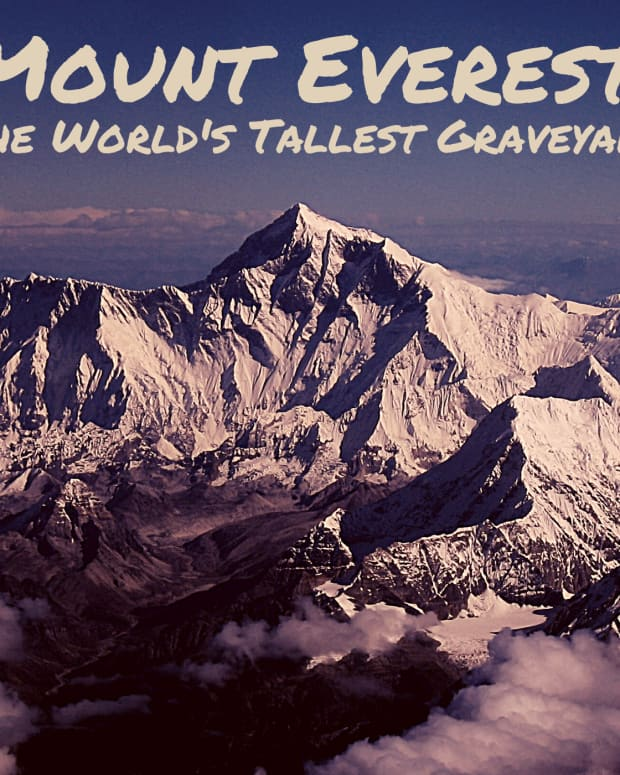 worlds-highest-graveyard-everest