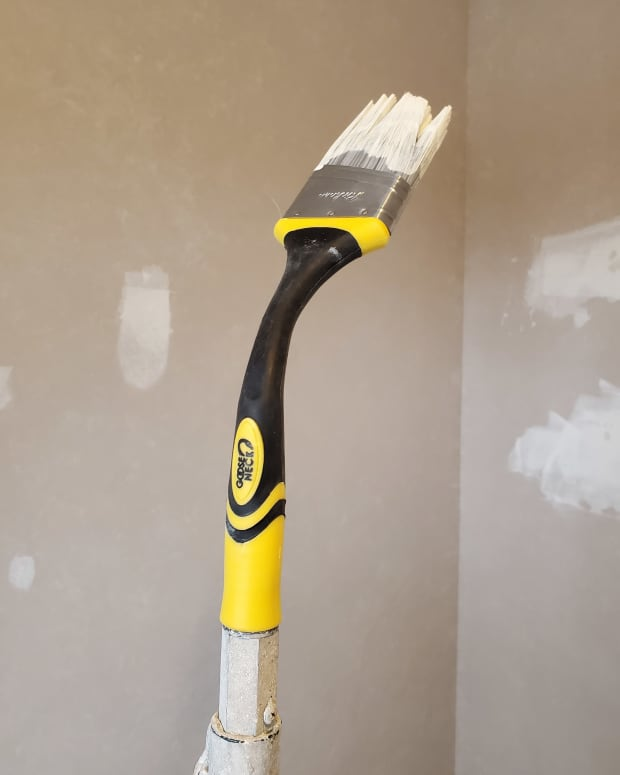 my-review-of-the-goose-neck-extendable-paint-brush