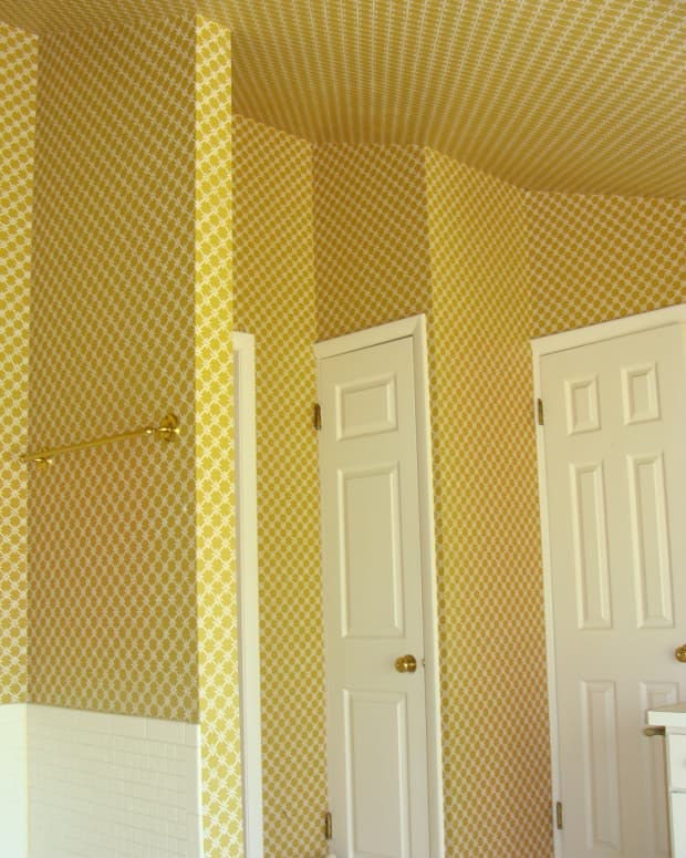 tips-for-removing-old-wallpaper