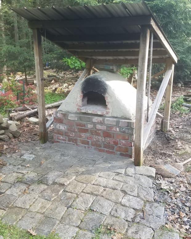 building-an-earth-oven-cob-oven