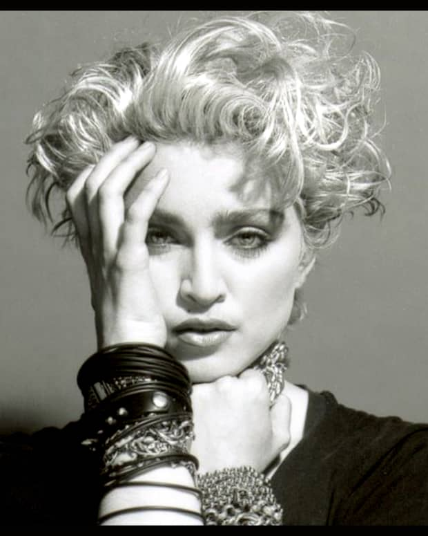 why-madonna-succeeded-where-cyndi-lauper-failed