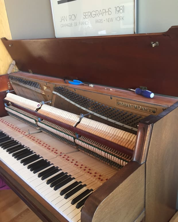 need-your-piano-serviced-what-to-expect-when-your-piano-is-tuned-by-a-qualified-professional