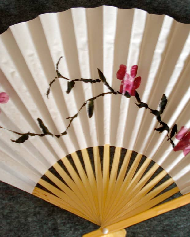 how-to-paint-a-fan-for-a-useful-gift