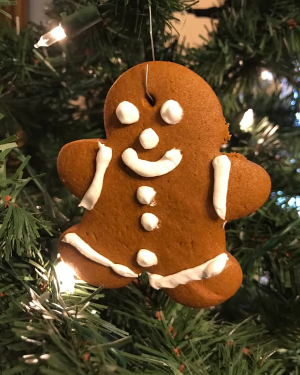 diy-edible-gingerbread-ornaments