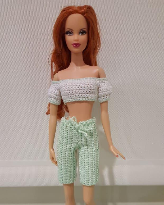 barbie-bermuda-shorts-free-crochet-pattern