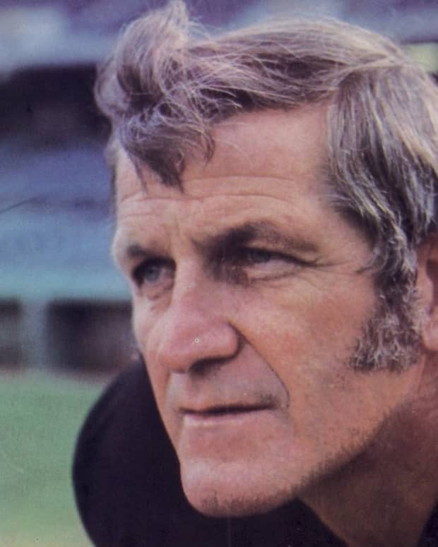 at-the-age-of-48-george-blanda-was-a-quarterback-kicker-and-professional-footballs-all-time-leading-scorer