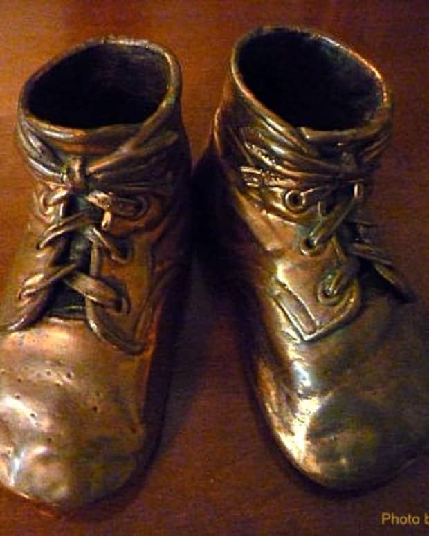 bronzing-baby-shoes-past-memories-and-creating-future-cherished-ones