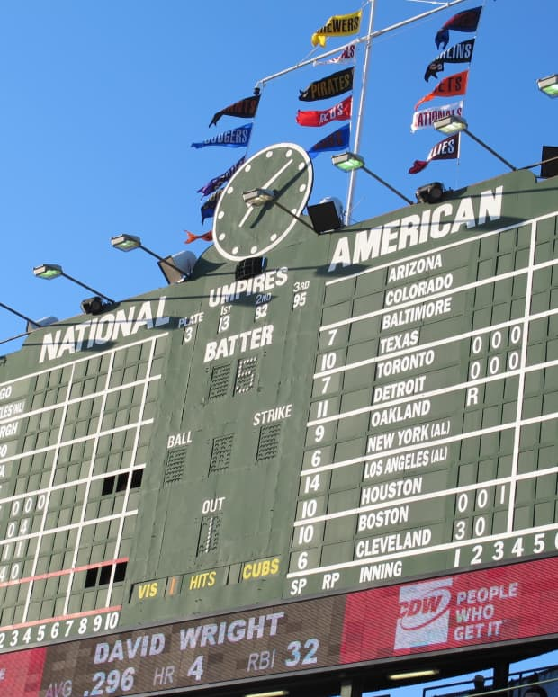 five-historic-mlb-ballparks-you-must-visit