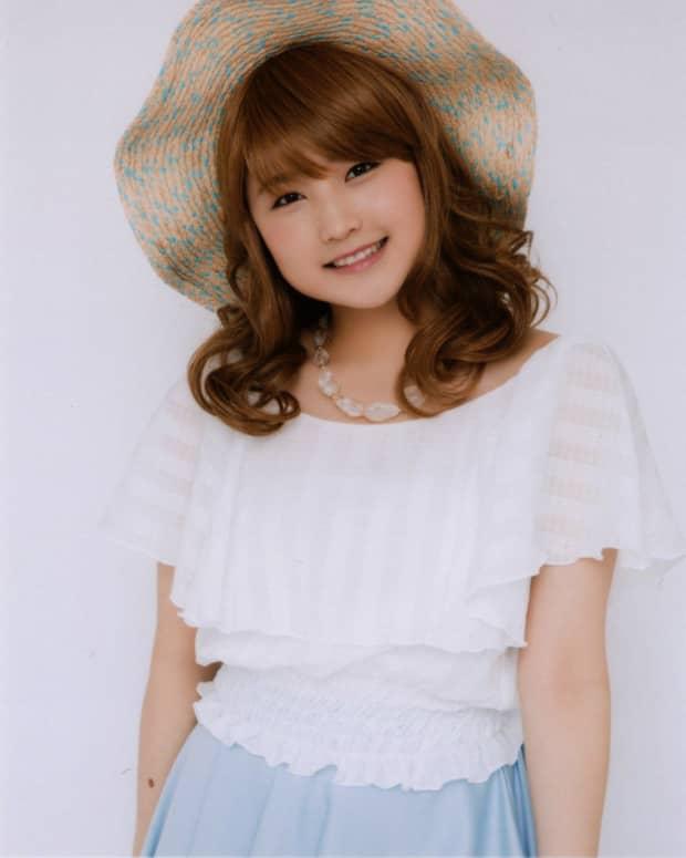 riho-sayashi-the-former-morning-musume-girl-stage-actress-and-bikini-model