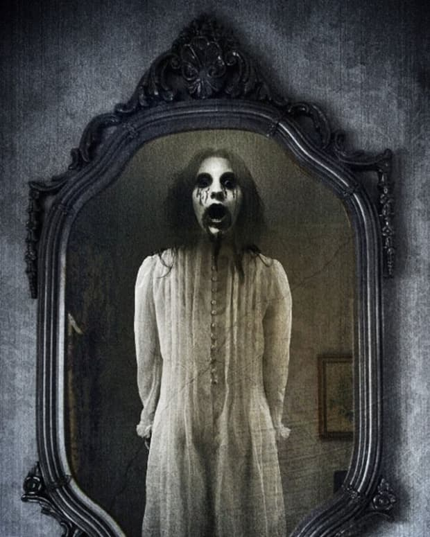 a-halloween-poem-mirror-mirror-on-the-wall