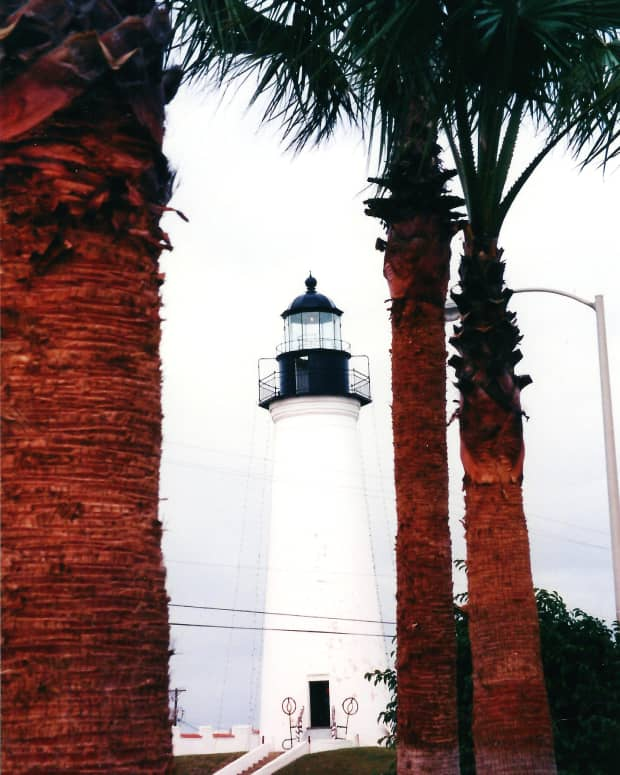 fond-memories-port-isabel-lighthouse-and-south-padre-island