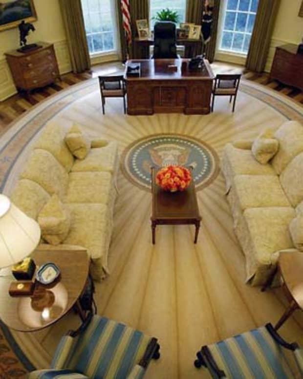 bush-oval-office-decor