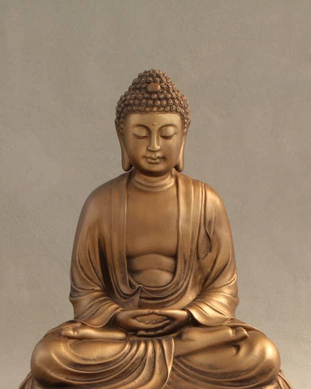 christians-and-buddha-statues