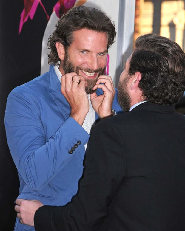 6-horror-movies-to-watch-in-that-will-cause-bradley-cooper-to-devour-your-soul-and-eat-your-face
