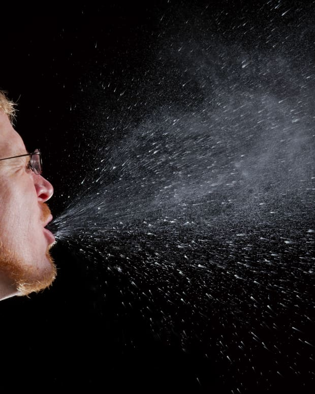 why-does-my-eye-twitch-when-i-sneeze