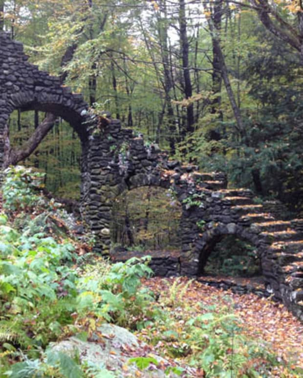 a-hike-through-madame-sherri-forest-and-a-look-at-her-stairway-to-heaven