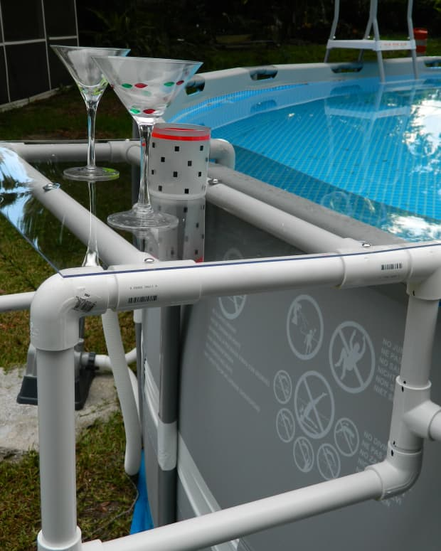 build-a-great-shelf-for-your-above-ground-pool