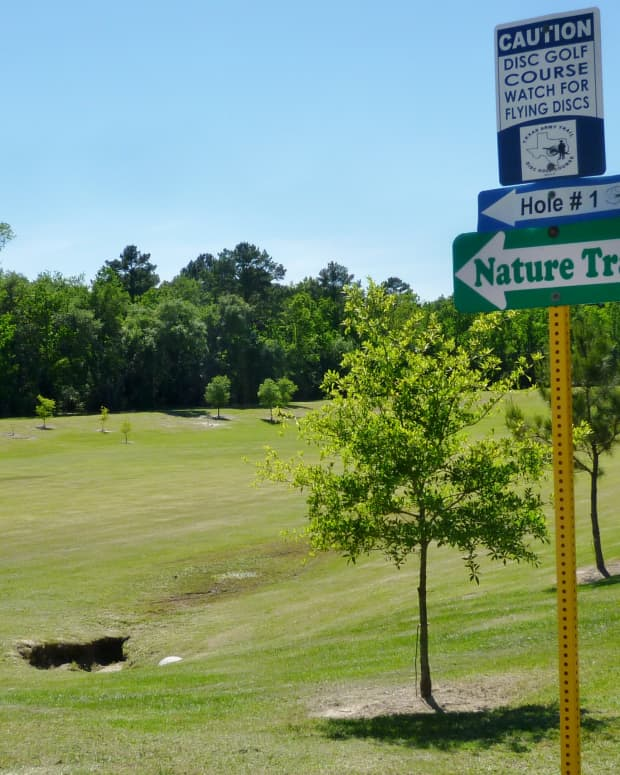bud-hadfield-park-scenic-disc-golf-course-in-cypress-texas