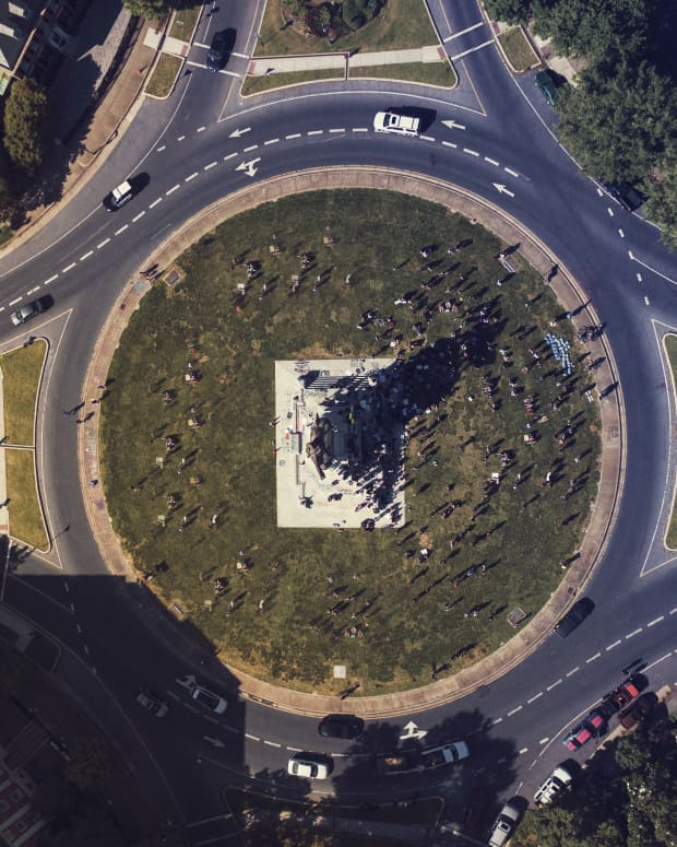 the-difference-between-history-and-monuments