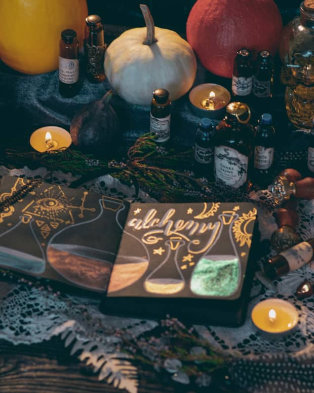witchcraft-correspondences-what-they-are-and-how-to-use-them