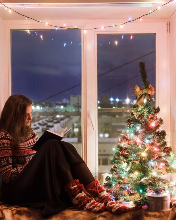 how-to-spend-the-holidays-alone-at-home-christmas-new-years