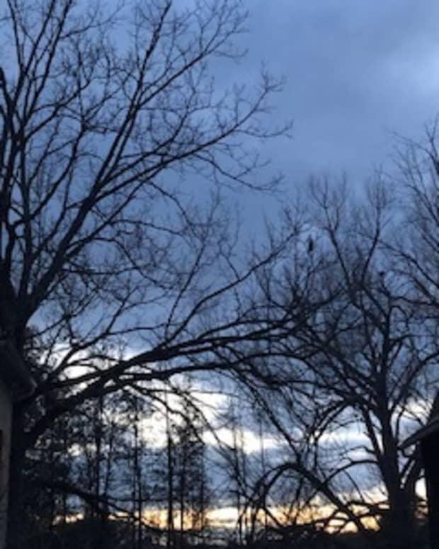 serene-smokey-grey-sky