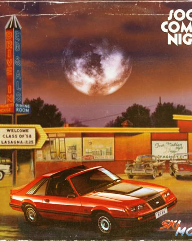 synthwave-album-review-soon-comes-night