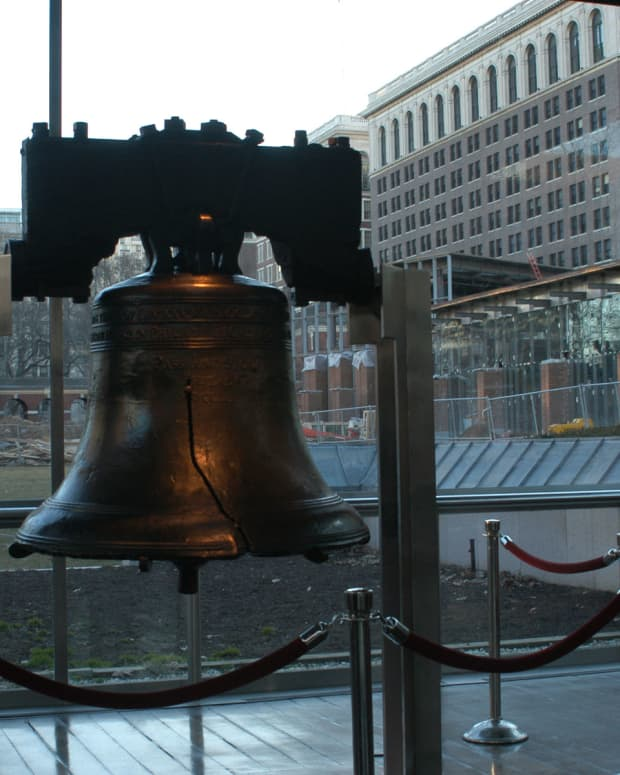 dont-let-the-drum-of-socialism-drown-out-the-ringing-of-the-liberty-bell