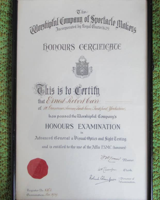 family-history-in-an-object-framed-qualification-optical-trial-case-with-trial-frame
