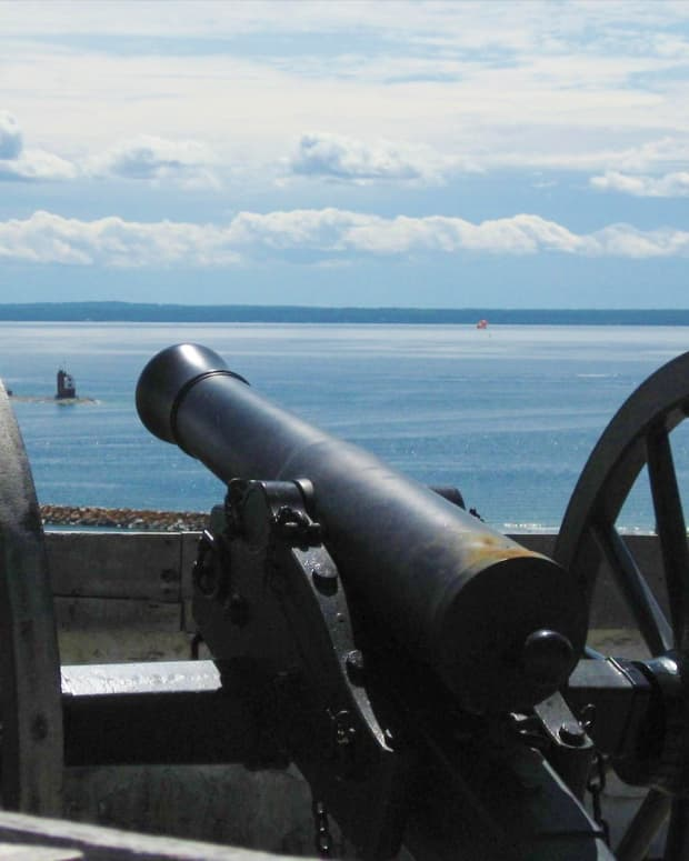 historic-site-of-interest-on-mackinac-island-fort-mackinac