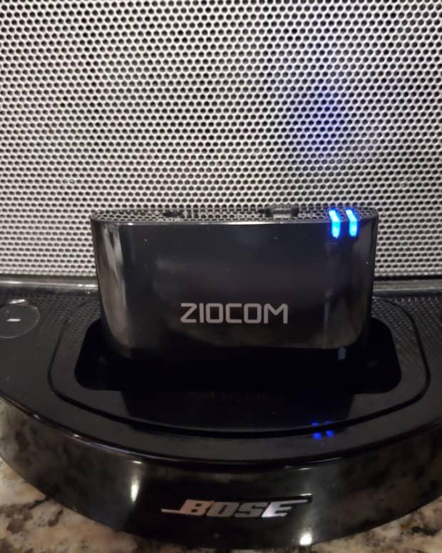 ziocom-30-pin-bluetooth-adapter-for-docking-stations-like-bose-sounddock