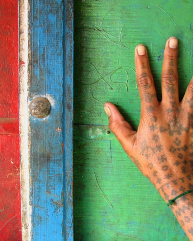 hand-tattoo-designs-and-meanings