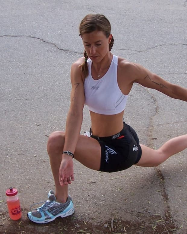 Backward Lunge with Twist (fire the glute!)