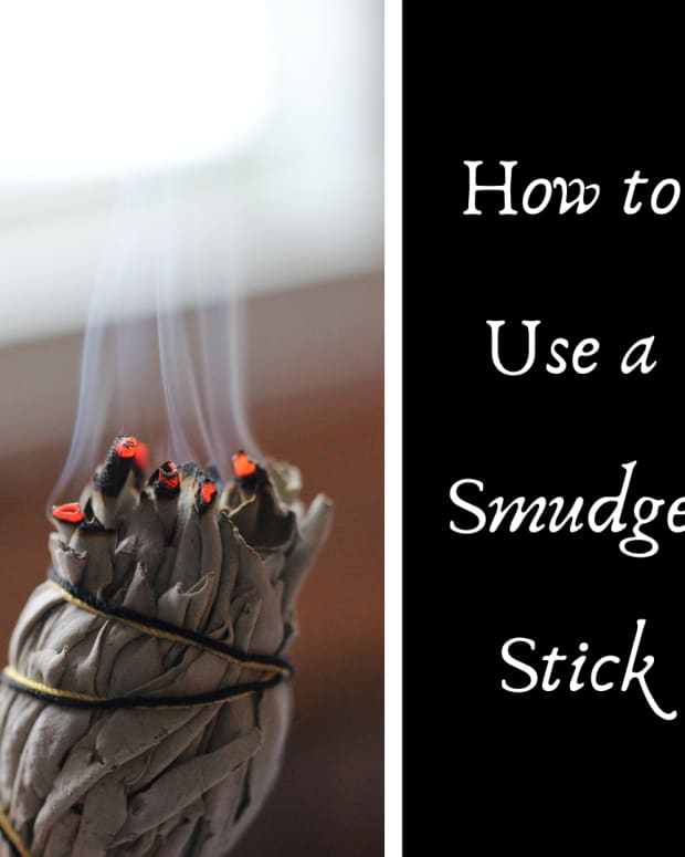 how-to-use-a-smudge-stick