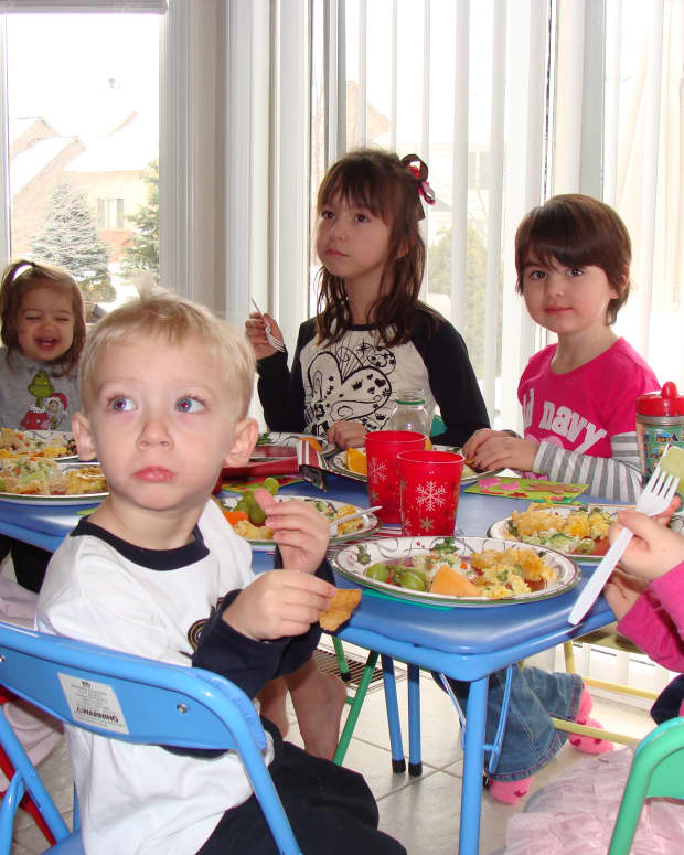 potluck-playdates-save-money-on-food-and-fun-with-your-kids