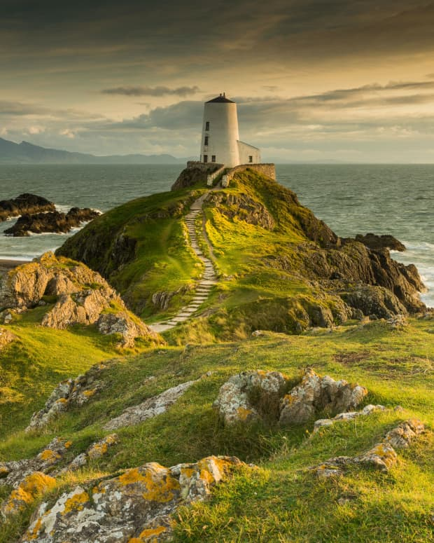 the-ancient-lighthouse