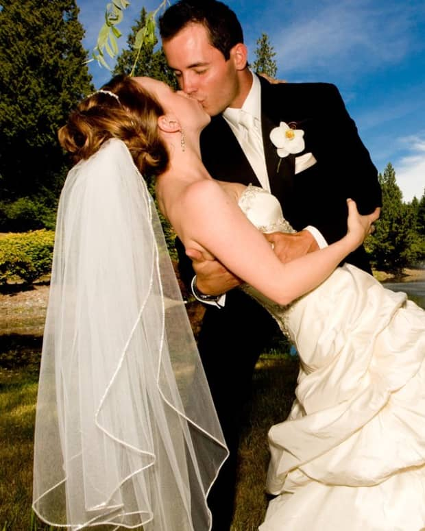 tips-for-safely-restoring-an-aged-wedding-dress