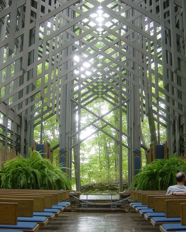 thorncrown-chapel--rated-by-aia-as-one-of-the-top-10-buildings-of-the-20th-century