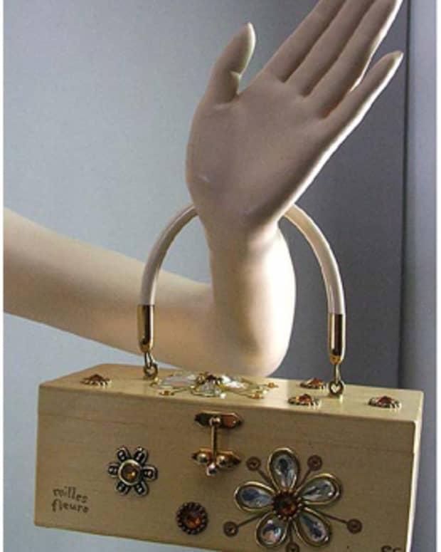 Vintage box purse