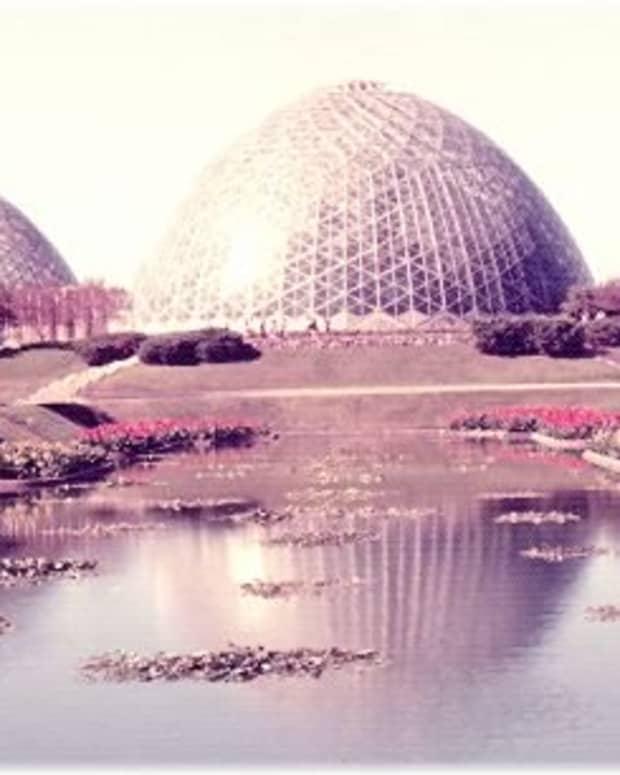 wisconsin-milwaukee-mitchell-park-garden-domes