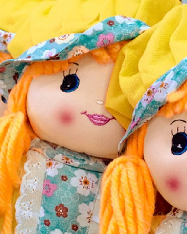 creatively-making-rag-dolls-hair