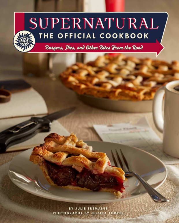 28_cookbooks_inspired_by_popular_tv_shows_and_movies